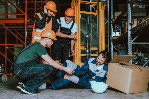 https://www.freepik.com/premium-photo/young-warehouse-worker-injured-leg-workplace_4725257.htm#page=1&query=work%20injuries&position=34