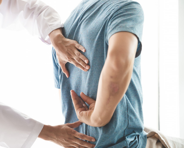 https://www.freepik.com/premium-photo/modern-rehabilitation-physiotherapy-man-work-with-man-client_5236061.htm#page=1&query=chiropractor&position=29