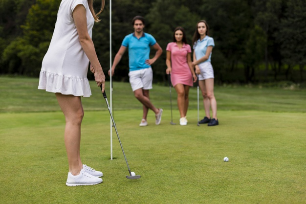 https://www.freepik.com/free-photo/group-friends-playing-golf-together_5594507.htm#page=1&query=golfing%20group&position=46