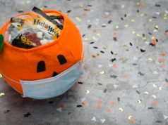 https://www.freepik.com/premium-photo/halloween-pumpkin-made-fabric-with-mask-filled-with-jelly-beans-decorated-with-halloween-motifs_10221951.htm#page=2&query=covid+halloween&position=48