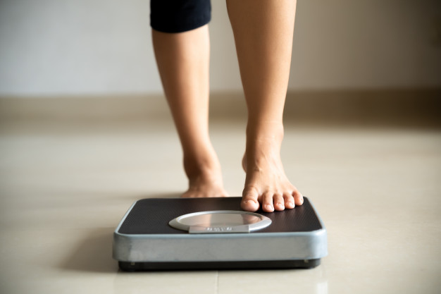 https://www.freepik.com/premium-photo/female-leg-stepping-weigh-scales-healthy-lifestyle-food-sport-concept_5460693.htm#page=1&query=weigh%20in&position=36