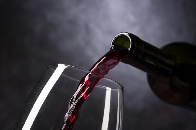 https://www.freepik.com/premium-photo/bottle-pouring-red-wine-into-glass_5263478.htm#page=2&query=napa%20valley&position=11