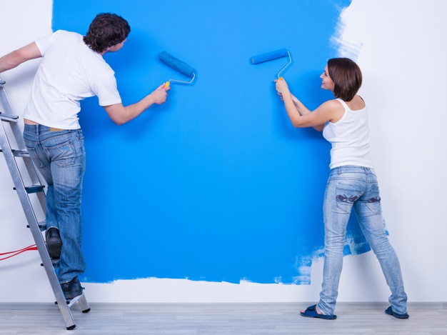 https://www.freepik.com/free-photo/coloring-wall-blue-by-young-couple-casuals_10626209.htm#page=2&query=home+improvement&position=8
