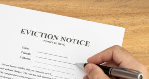 https://www.freepik.com/premium-photo/hand-ready-fill-eviction-notice-document_9500788.htm#page=1&query=eviction%20notice&position=6