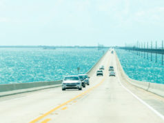https://www.freepik.com/premium-photo/panorama-road-us1-key-west-florida-keys_5997528.htm#page=1&query=florida%20road%20trip&position=5