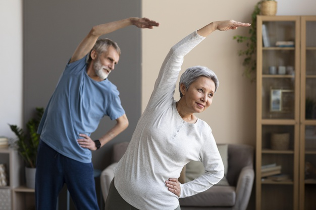 https://www.freepik.com/free-photo/senior-couple-training-together_10847288.htm#page=1&query=exercise&position=33