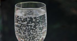 https://pixabay.com/photos/water-glass-water-mineral-water-2686973/
