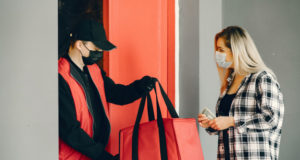 https://www.freepik.com/free-photo/delivery-man-medic-mask-with-woman_8819656.htm#page=1&query=food%20delivery&position=36