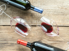https://www.freepik.com/premium-photo/glasses-with-red-wine_8976850.htm#page=1&query=Pinot%20Noir&position=19