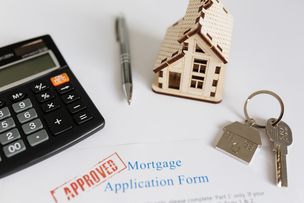 https://www.freepik.com/free-photo/mortgage-contract-house-figurine_1565660.htm#page=1&query=mortgage&position=17