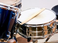 https://www.freepik.com/free-photo/drums-conceptual-image_1191527.htm#page=1&query=snare%20drums&position=3