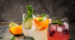 https://www.freepik.com/premium-photo/selection-three-kinds-gin-tonic-with-blackberries-with-orange-with-lime-mint-leaves-glasses-rustic-wooden-background_6454424.htm#page=1&query=Gin&position=17