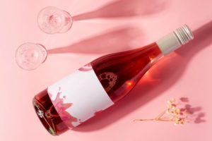 https://www.freepik.com/premium-psd/bottle-rose-wine-glass-with-long-shadows_9870069.htm#page=3&query=Ros%C3%A9+wine&position=29