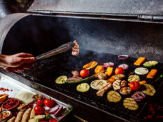 https://www.freepik.com/free-photo/man-fries-grilled-vegetables-with-sausages_7802131.htm#page=2&query=grilling%20vegetables&position=7