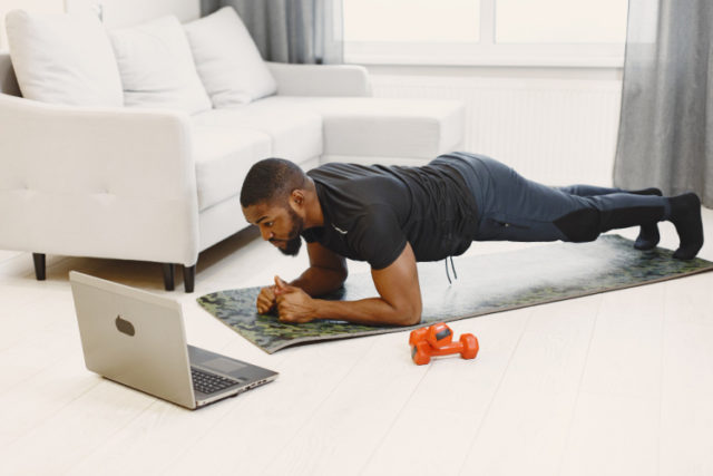 https://www.freepik.com/free-photo/guy-training-home_13180434.htm#page=1&query=men%20workout&position=15