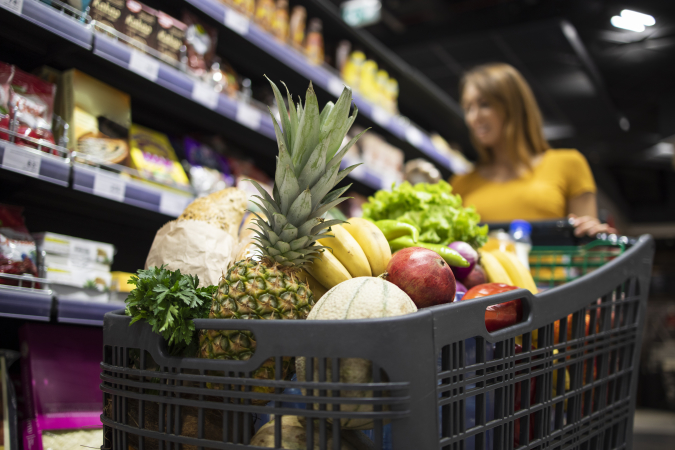Americans admit nearly a fifth of the groceries they buy end up in the trash (video and infographic)