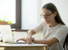 https://www.freepik.com/free-photo/serious-student-working-laptop-preparing-exams_3938173.htm#page=1&query=online%20note%20taking&position=8