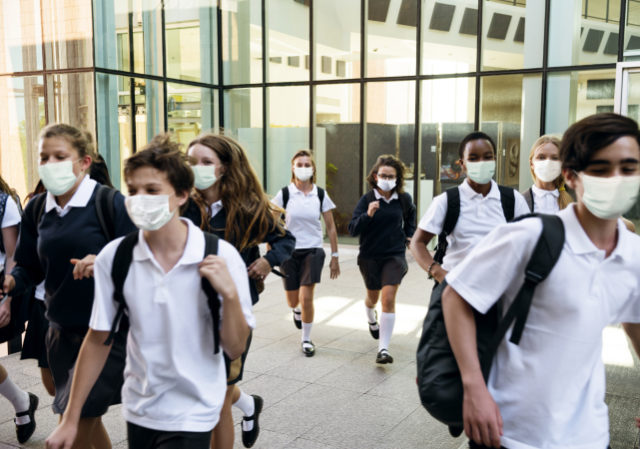 https://www.freepik.com/free-photo/high-school-students-wearing-masks-their-way-home_12195193.htm#page=1&query=covid%20kids&position=23