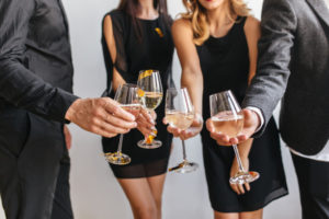 https://www.freepik.com/free-photo/indoor-portrait-people-clink-glasses-with-guys-black-attires_10787042.htm#page=1&query=champagne%20party&position=2
