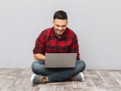 https://www.freepik.com/free-photo/man-student-working-laptop-while-sitting-floor_7858066.htm#page=2&query=college%20student&position=12